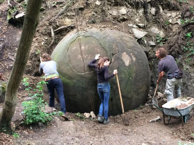 volunteers-performing-further-excavation-on-the-megasphere