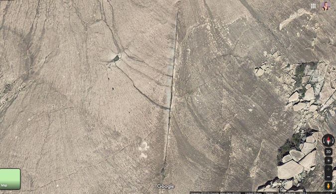 Straight-line seam in Enchated Rock Google Earth map